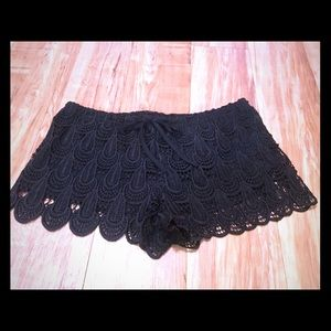 ✨3 for $15✨ Scalloped lace H&M shorts